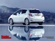 Toyota Yaris Hybrid 2013 800x600