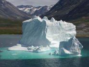 tow icebergs