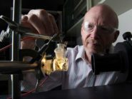 John Turner tests a photoelectrochemical water-splitting system