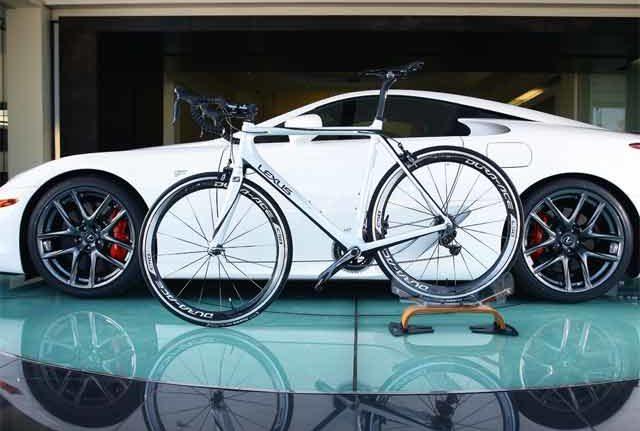 Merveilleux Lexus F SPORT Road Bike