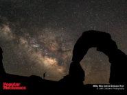 Milky Way behind Delicate Arch 800x600