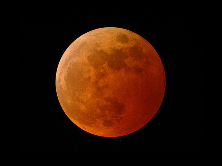 red-moon-total-eclipse-doug-murray