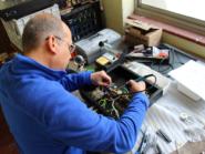 Doman solders Mars DIY amp.