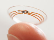 Google-smart-contact-lens-on-finger