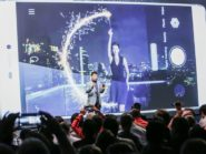 Huawei's Richard Yu explains the Light Painting feature on the P8.