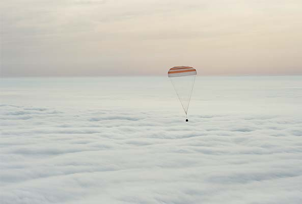 One-year-crew come home with Soyuz
