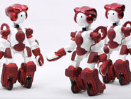 Hitachi develops customer service robot, EMIEW3