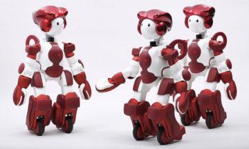 Hitachi develops customer service robot, EMIEW3