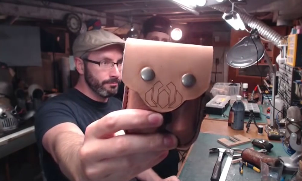 How to make a leather tool pouch