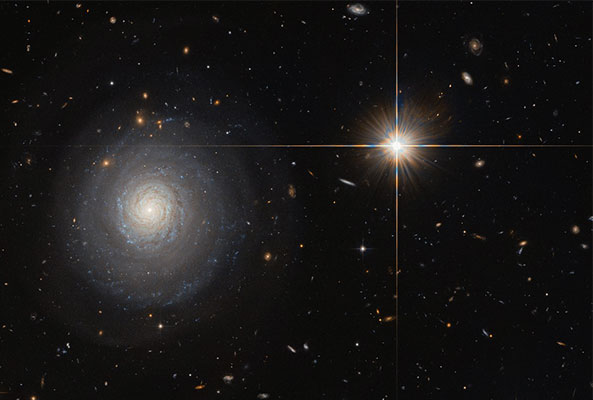 Hubble captures a secluded starburst galaxy