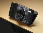 """We, as South African consumers, need to petition Lenovo to bring the Moto Z to our shores. Only then will we be able to live in the modular future that Popular Mechanics has been promising for years. The Moto Z Play is the least powerful of the bunch with a Snapdragon 625 and 3 GB of RAM keeping things ticking over, but the chip is very power efficient so you get better battery life. Also the headphone jack returns. The """"baby"""" Z is also compatible with the full range of hot-swappable Moto Mods, like the Hasselblad True Zoom which adds 10x mechanical zoom to the back of the phone."""