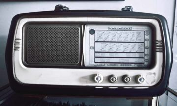 Norway will soon can FM radio. Image by: Splitshire