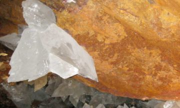 Ancient microbes found trapped in Mexican crystals