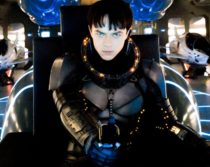 Valerian and the City of a Thousand Planets spacecraft scene clip