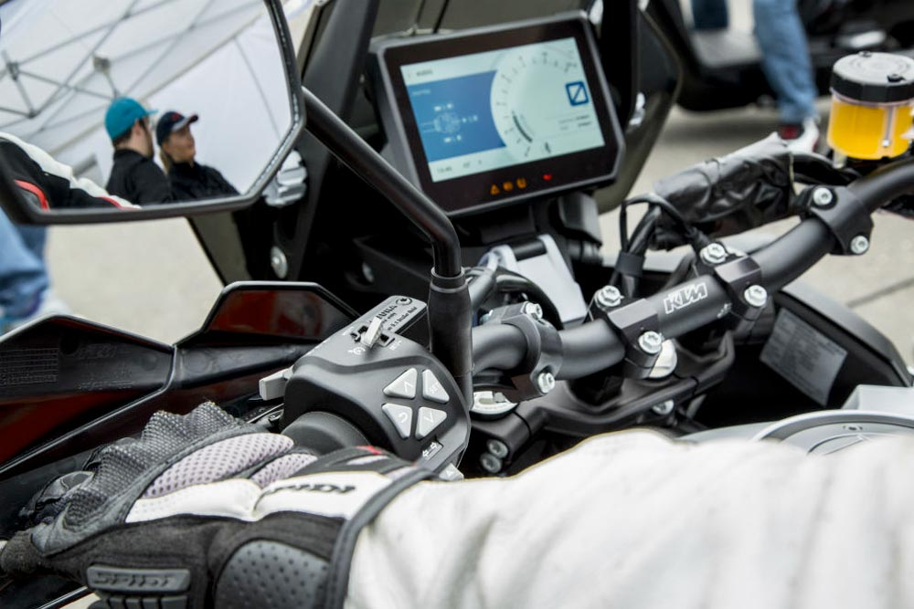 Modern motorcycles: a connected motorcycle dash