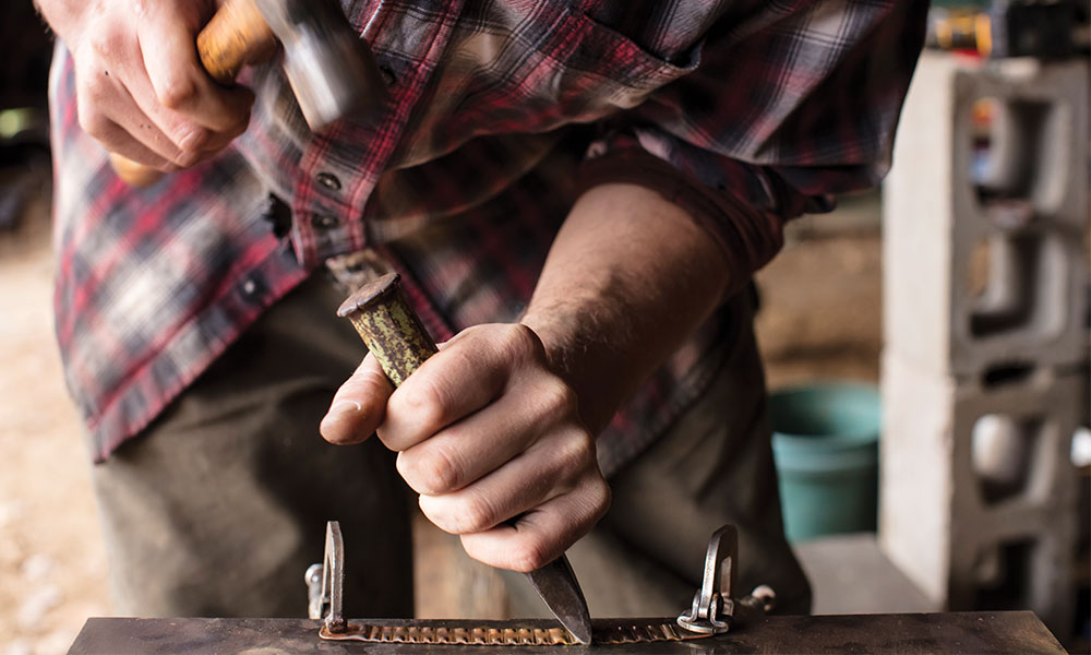 Make lines on copper bracelets